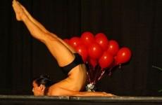 Йога для начинающих. Поза Прасарита падоттанасана. Наклон с широко расставленными ногами.032