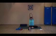 Занятие по хатха йоги —  наклоны, прогибы, дыхание, шавасана