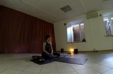 Занятие по йоге для начинающих. Студия «Ваджра» (Киевская школа Йоги)