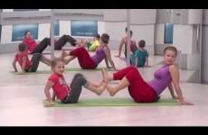 Семейная йога для детей и взрослых (Family yoga for children and adults)