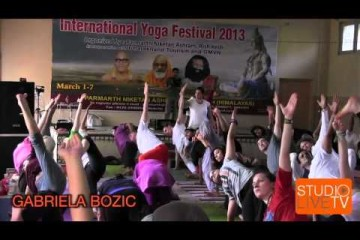 Дживамукти йога, урок в рамках Интернационального фестиваля йоги (Индия, Ришикеш, 2013)
